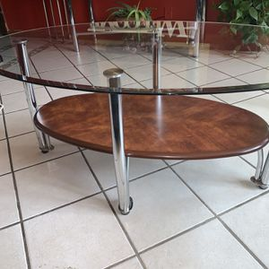 Coffee Table Hablo Español Thanks For Looking for Sale in Aurora, IL