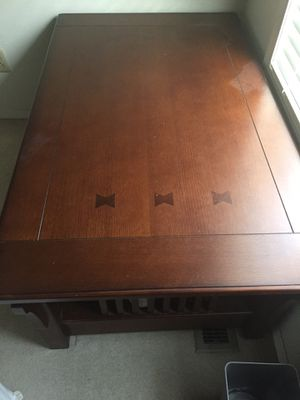 Coffee Table / Mission Style Lift Coffee Table for Sale in Hillsboro, OR