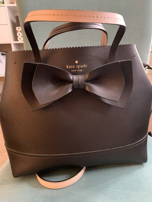 Gorgeous limited edition Authentic Kate Spade ♠️ NY handbag leather for Sale in Oak Glen, CA