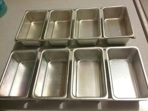 Vintage linked mini pans. Great for Xmas baking and giving. 5.00 for 4 or 10.00 for all 8. Price firm for Sale in Tacoma, WA