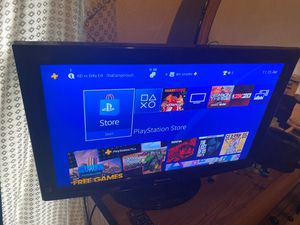 32 inch Panasonic tv with controller for Sale in Chicago, IL