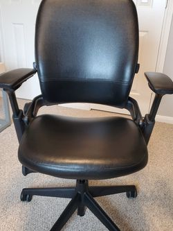 Steelcase Leap V2 Leather Chair for Sale in Pearland,  TX