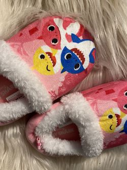 Pink babyshark slippers Toddler for Sale in Buena Park,  CA