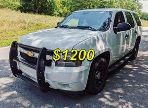ֆ12OO RWD Chevrolet Tahoe RWD for Sale in Saint Paul, MN
