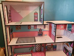 Lol doll mansion for Sale in Cleveland, OH