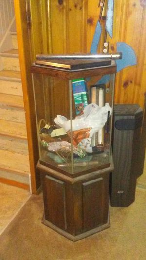 40 gallon round fish tank for Sale in Maple Heights, OH