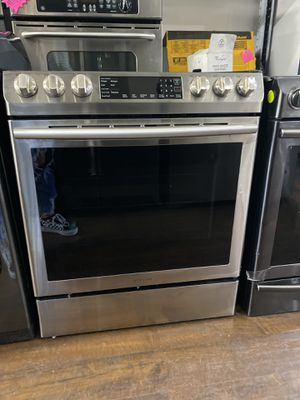 "SAMSUNG SLIDE IN RANGE 30"" OPEN BOX UNIT for Sale in Lake Forest, CA"