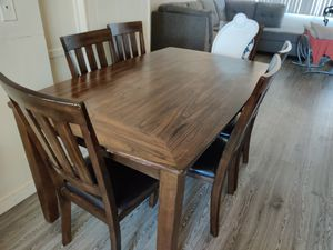Kitchen table for Sale in Baldwin Park, CA