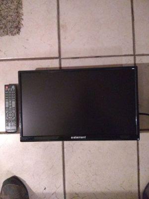 """Tv 14""""No Smart no base perfect cond remote control price firm perfectas condiciones no tiene la base for Sale in Phoenix, AZ"""