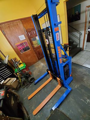 Stacker forklift for Sale in Bronx, NY