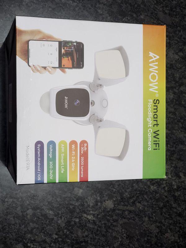 Brand New Flood Light Camera - Like Arlo or Ring