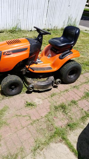 Riding lawn mower for Sale in Aurora, IL