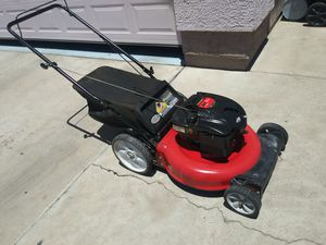 lawn mower in very good condition works very well and very clean large motor for Sale in Phoenix, AZ