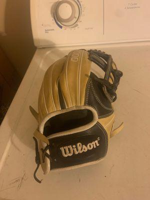 Baseball glove for Sale in Jurupa Valley, CA