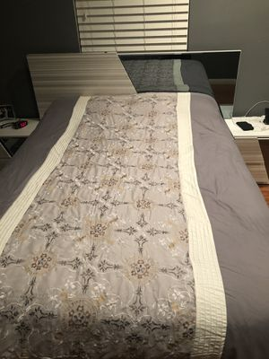 Modern bed set for Sale in Los Angeles, CA