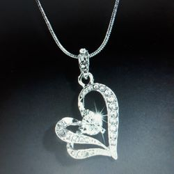 Beautiful Sparkle Heart-Shaped Silver Necklace. for Sale in Dallas,  TX