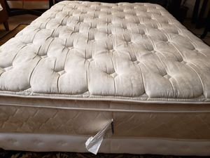 Queen Pillowtop Mattress set box spring bed frame for Sale in Lynnwood, WA