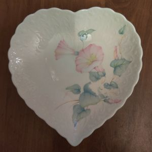 Mikasa Japan 6 1/4 Inch Heart Shaped Floral Trinket Dish for Sale in Sanford, FL