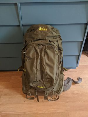 Men's Backpack Traverse 70 liter (Medium) for Sale in Los Angeles, CA