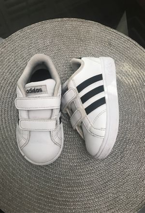 Toddler Adidas Shoes size 6 for Sale in Maywood, CA