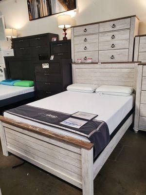 Queen Bed Frame, Whitewash for Sale in Santa Fe Springs, CA