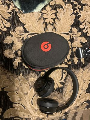 beats solo 3 heaphones and case for Sale in Tucson, AZ