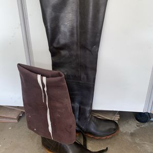 Cabelas Fishing Hip Wader Boots Size 11 for Sale in Phoenix, AZ