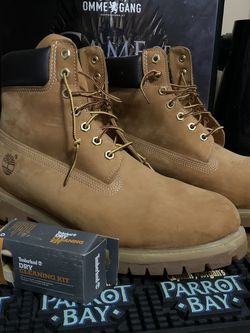 TIMBERLAND MEN'S 6-INCH PREMIUM WATERPROOF BOOTS - BUTTERS // BRAND NEW + TIMBERLAND BRAND CLEANER for Sale in Blue Bell,  PA