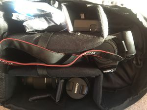 Canon Rebel T6 BUNDLE w/ Tripod for Sale in Buckeye Lake, OH