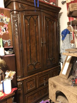 Armoire for Sale in Henderson, NV