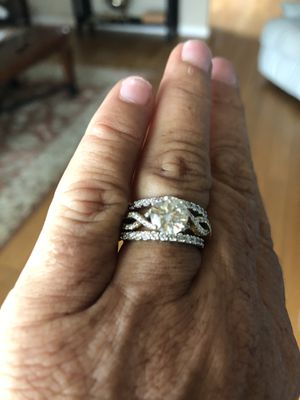 Engagement ring with two weddings bands for Sale in Melbourne, FL