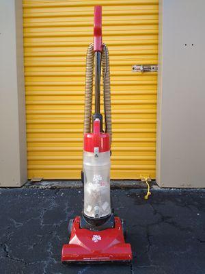 Dirt Devil Quicklite Vacuum for Sale in Tamarac, FL