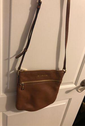Michael kors Messenger Bag for Sale in Des Plaines, IL