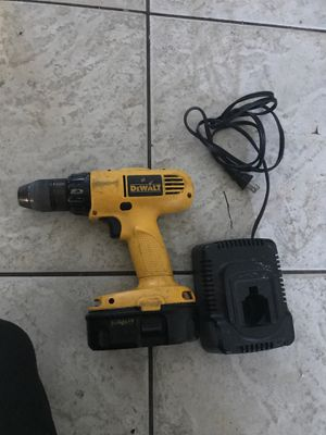 Dewalt 18v cordless drill with battery and charger for Sale in Hollywood, FL