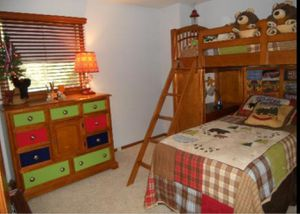 BEAUTIFUL, EXCELLENT CONDITION Bunk Beds/Bedroom Set for Sale in Mundelein, IL