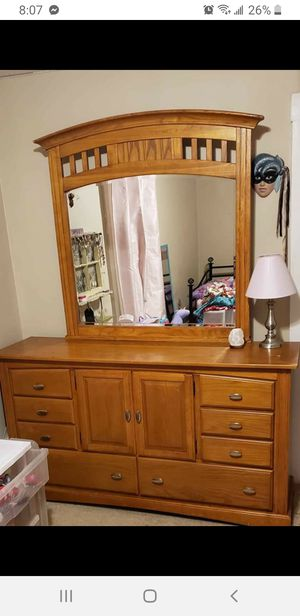 Queen bedroom set for Sale in Woonsocket, RI