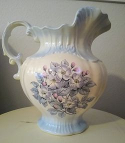 Large Pitcher/Vase for Sale in Vancouver,  WA