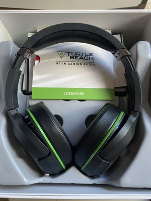 Wireless XBOX Bluetooth Headset for Sale in Hialeah, FL