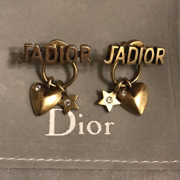 Beautiful antique gold tone Jadior earrings