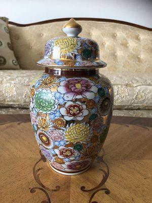 Vase for Sale in Skokie, IL