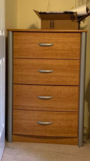Dresser for Sale in Linden, VA