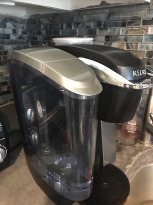 Keurig K75 Platinum Single Cup Coffee Maker for Sale in Houston, TX