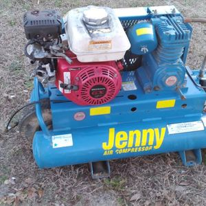 Compressor With Honda Motor 1200 Series for Sale in Monroe Township, NJ