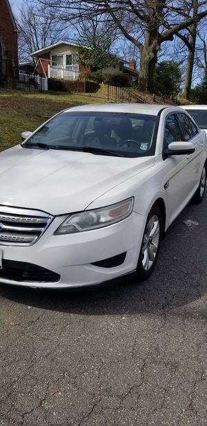 FORD TAURUS 2010 for Sale in Greenbelt, MD