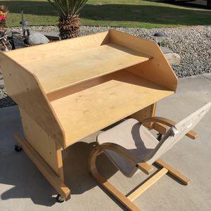 Kids Desk And Chair for Sale in La Mirada, CA