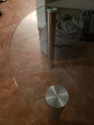 Glass kitchen table for Sale in Kissimmee, FL