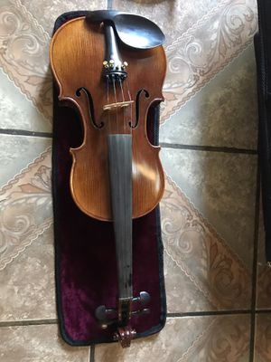 Violín in perfect condition with case and all extras only $300 for Sale in Moreno Valley, CA