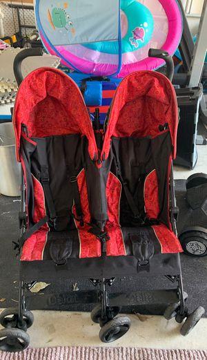 Double stroller for Sale in Boynton Beach, FL