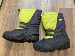 SOREL kids flurry snow boots size 13 for Sale in Franklin Park, IL