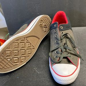 New Grey Converse Size 10.5 Mens for Sale in Calexico, CA